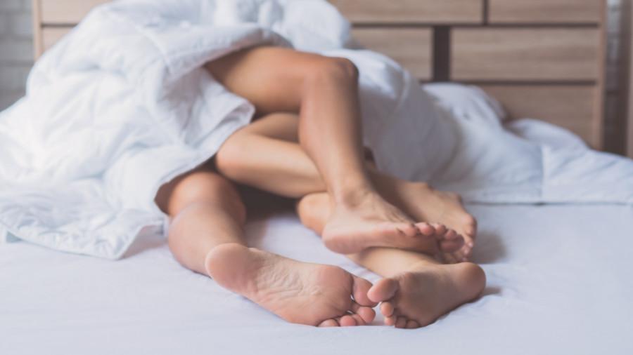 Porna - gewoon thuis in bed door amateurs